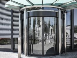 Models of glass doors