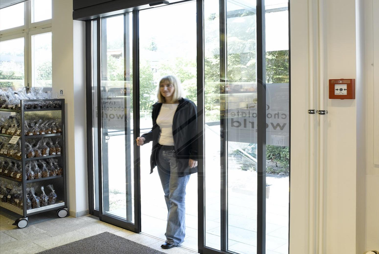 Speed sliding door for the trade Pass-Glass SLX
