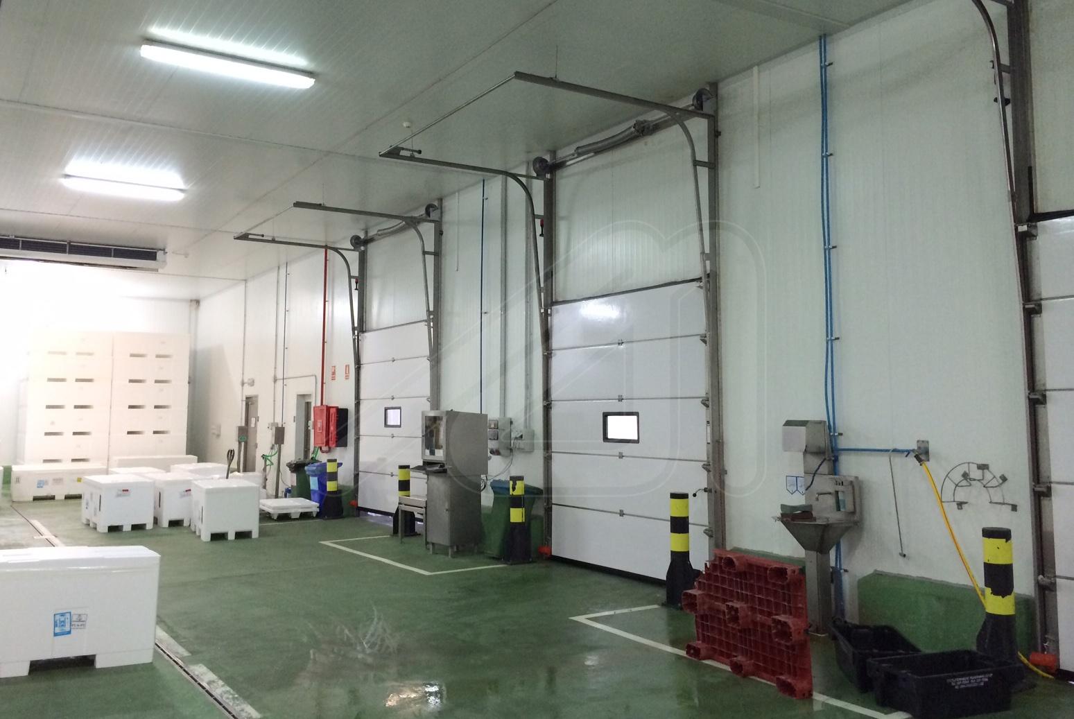 Puerta industrial seccional Fibersecc Inox